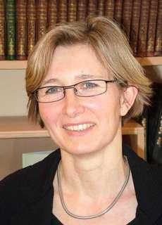Dr. Claudia Gröschel